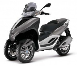 Location_scooter_paris_Mp3_Yourban_300_LT-e1433034927267-250x215