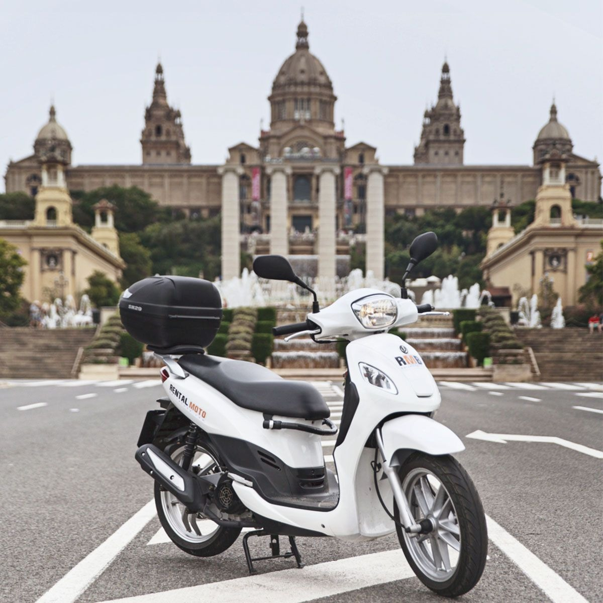 location de scooter à Barcelone