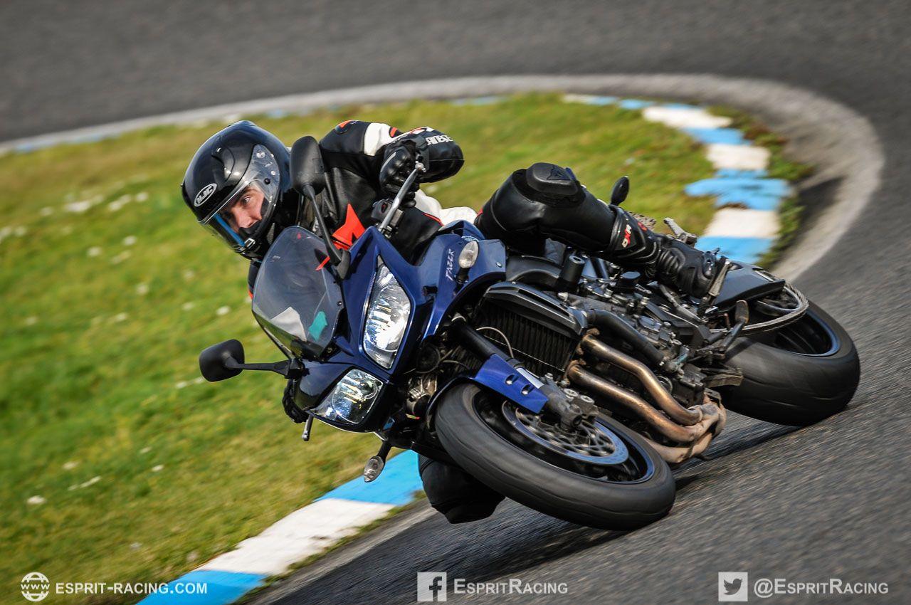 Faire du circuit à moto